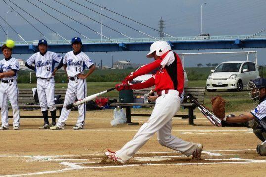 この画像は、サイトの記事「ソフトボール 男子 大学 ネットや部活・クラブで話題 YouTube注目無料視聴動画ご紹介!」のイメージ写真画像として利用しています。