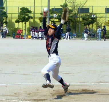 この画像は、サイトの記事「ソフトボール ピッチング 練習 ネットや部活・クラブで話題 YouTube注目無料視聴動画ご紹介!」のイメージ写真画像として利用しています。