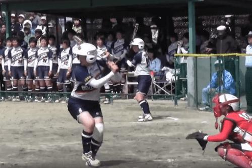 この画像は、サイトの記事「ソフトボール 高校選抜女子大会 2018 ネットで話題 YouTube注目無料視聴動画ご紹介!」のイメージ写真画像として利用しています。